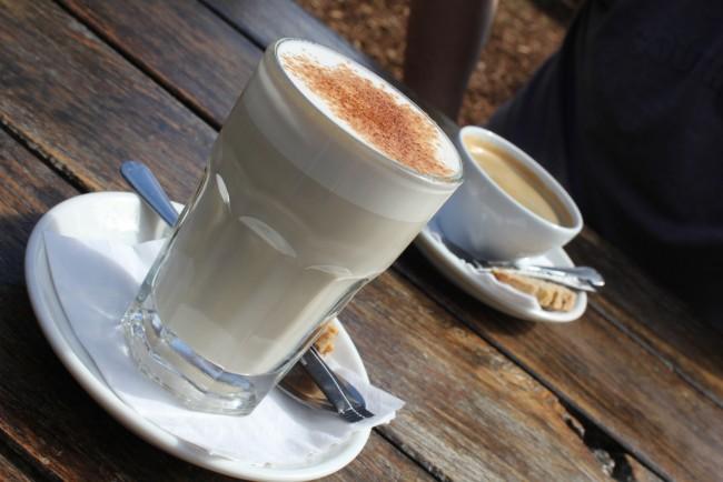 Chai latte & Long Black| © Raelene Gutierrez / Flickr