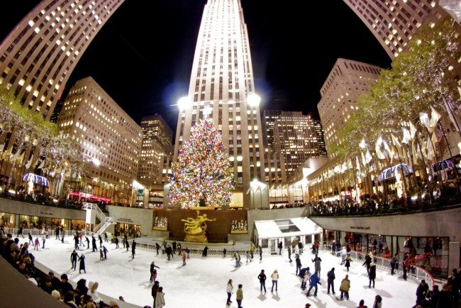 Christmas at Rockefeller Center | © petercruise/Flickr