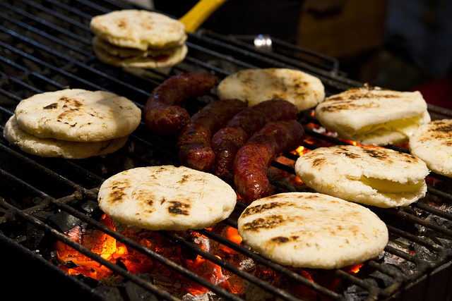 Arepas con chorizo | © William Neuheisel/Flickr