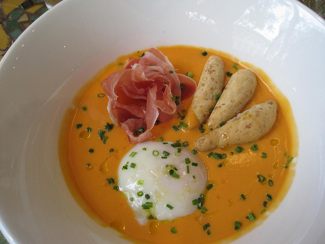 Salmorejo at Jaleo DC | © ShashiBellamkonda/Flickr