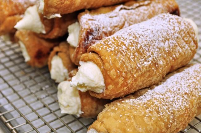 Enjoy a Cannoli for Dessert   © jeffreyw/Flickr