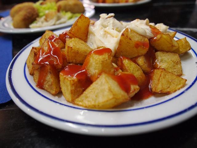 Patatas bravas | ©Leo Gonzales / Flickr