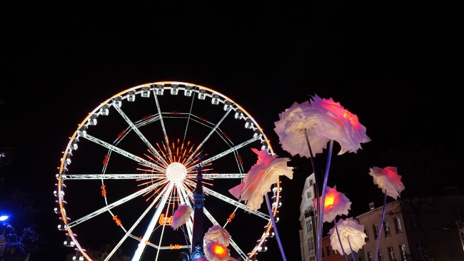 Ferris Wheel in the Christmas Market | © Miguel Discart/Flickr