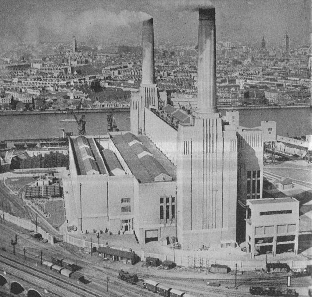 Battersea Power Station | © Andy Dingley / Wiki Commons