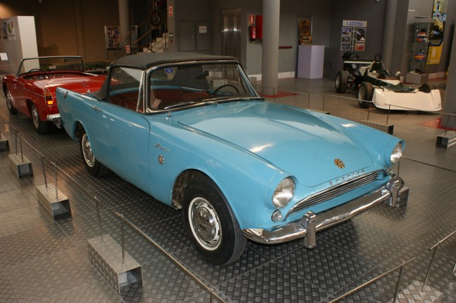 1963 Sunbeam Alpine Mk.III | © Hugh Llewelyn/Flickr
