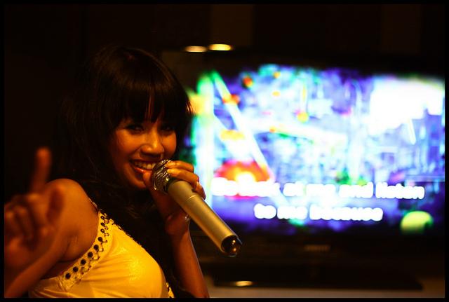 Karaoke in Bangkok   © Alexandre Marchand/Flickr