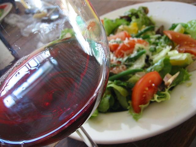 640px-Beaujolais_salad