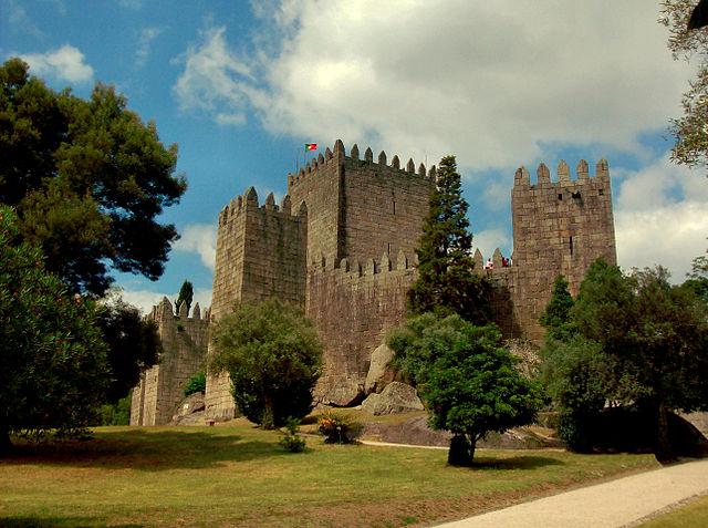 Guimaraes Castle  ©Marco Aldeia/Wikipedia