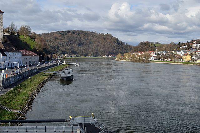 Danube in Linz | © Herzi Pinki/Wikicommons