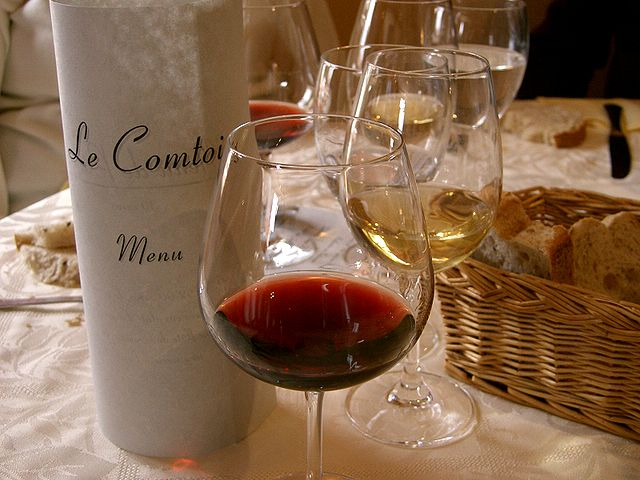640px-French_taste_of_wines