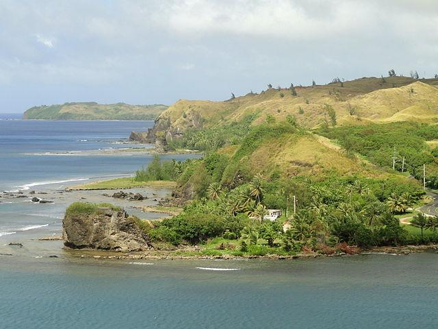 640px-Umatac_coast,_Guam_-_DSC00956
