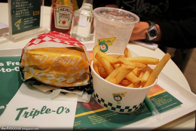 Triple O Classic Burger Meal © Richard Lee/Flickr