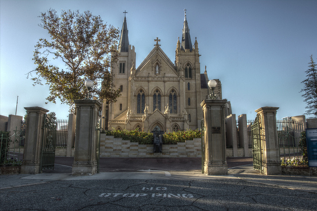 St Mary's Cathedral HDR ©Daniel Lee/Flickr