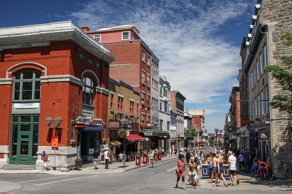A street in Rue Saint-Jean, Québec | Pierre-Olivier Fortin/Flickr