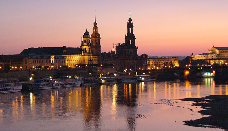 Dresden at night | © Nikater/WikiCommons
