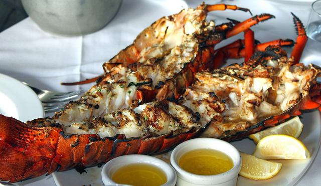 Grilled Lobster © Prayitno/Flickr
