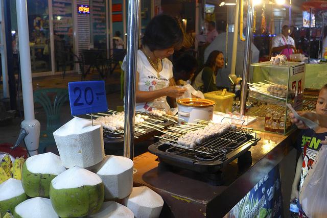 Krabi Town night market | © Madeleine Deaton/Flickr