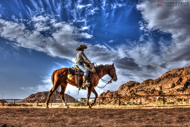 Riding at the Ranch © Thomas Izko/Flickr