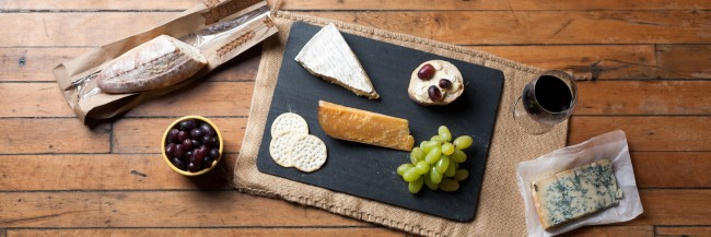 Wine & Cheese Platter | © Jordan Johnson/ Flickr