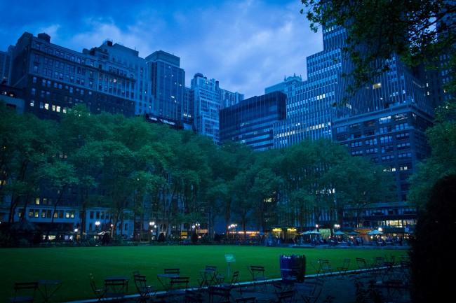 Bryant Park Nights | © John Gillespie/Flickr