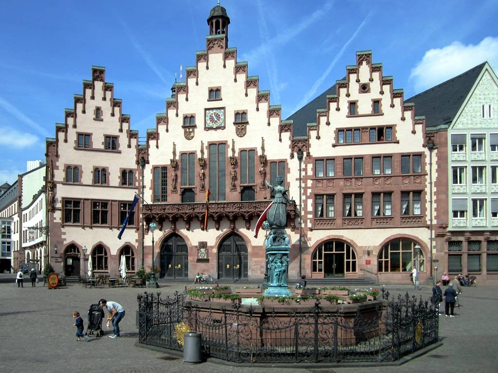 Römerberg, the heart of medieval Frankfurt ©David Stanley