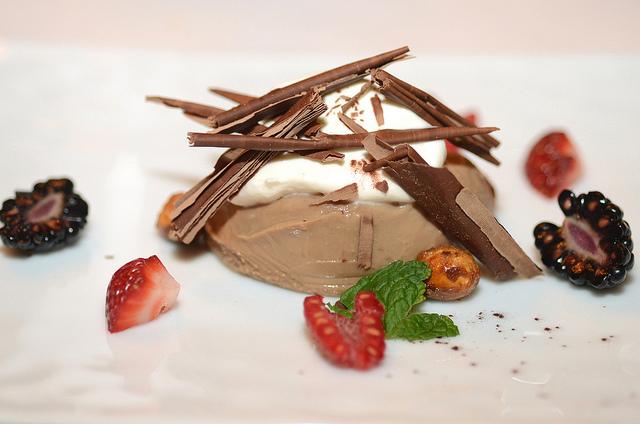Valhrona Chocolate-Caramel Pot de Creme medium res © Kurman Communications, Inc. /Flickr