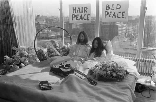 John Lennon & Yoko Ono's Amsterdam Bed-In © Clausule /Wikicommons