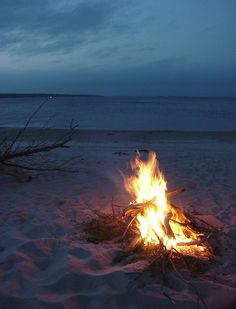 Bonfire.ocean beach_Phuong Pham