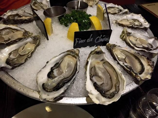 Oysters at Brasserie 8+ | © Vivian Zhou/Facebook