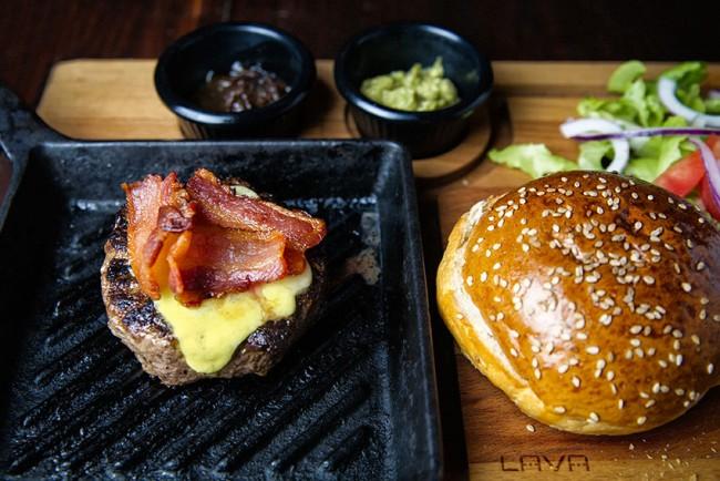 Burger | © Thyme Supper Club