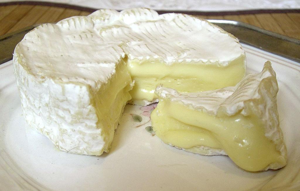 Baked Camembert © NJGJ/WikiCommons