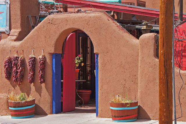 Casa Chimayo Restaurant Entrance | ©Terence Faircloth/Flickr