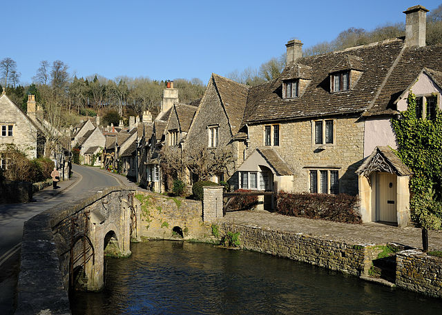 Castle Combe - The Cotswolds |© Saffron Blaze/WikiCommons