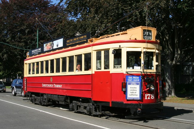 Vintage Christchurch Boon-built Tram No 178 on the Christchurch Tramway | © Mjobling/Wikipedia