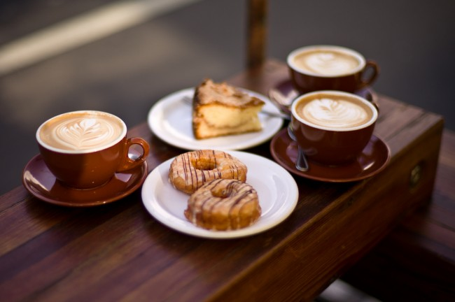 Coffee and pastries | © Max Braun/Flickr