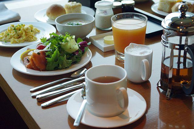 Continental breakfast © Matt @ PEK/WikiCommons