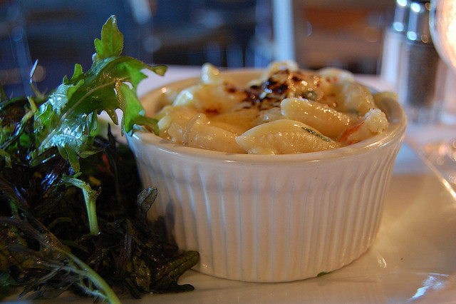 Lobster Macaroni and Cheese | ©stu_spivack/Flickr