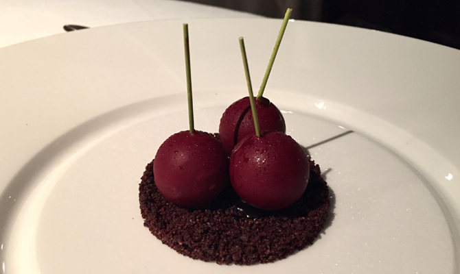 Dessert at Osteria Francescana | © advencap via Flickr
