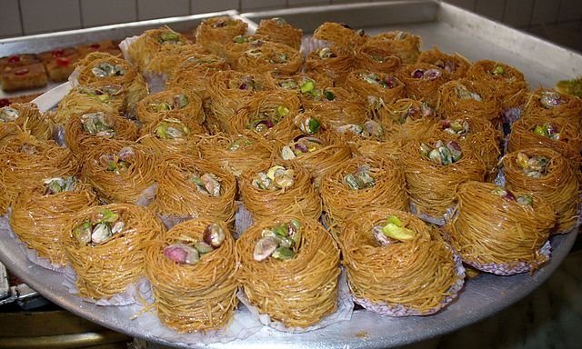 Egyptian Pastries | © Cairocamels/WikiCommons