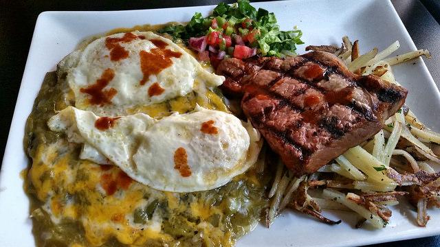 Meal at Elevation Bistro | ©Enrique A Sanabria/Flickr