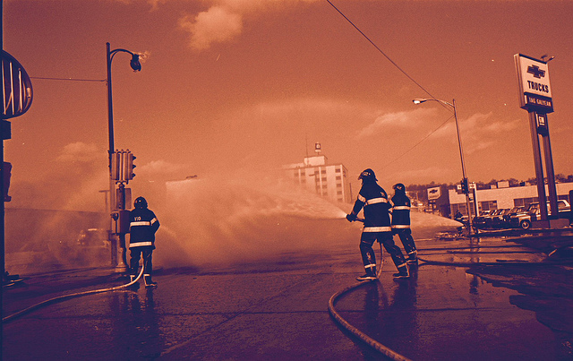 Firefighters | © starmanseries/Flickr