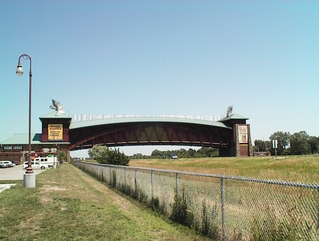 The Great Platte River Road Archway Monument, Kearney | ©MMarshall/WikimediaCommons