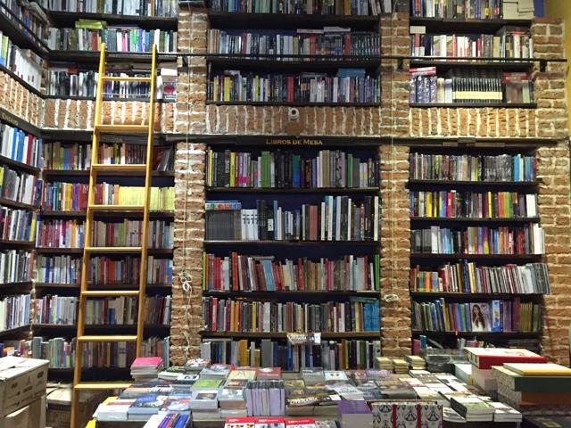 Abaco Libros y Café | © Milan Cater