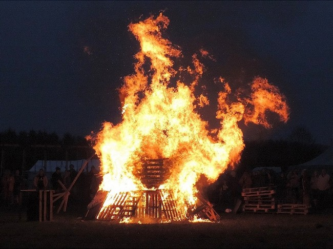 Beltane Fire Dragon ©wikicommons