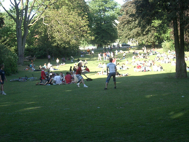 People Enjoying Jardin Vauban | ©Olivier Duquesne/Flickr