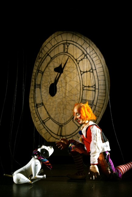 Joey the Clown, dog Toby and Clock from Joey's Fireworks by Glyn Edwards l Courtesy of Movingstage Marionette Company