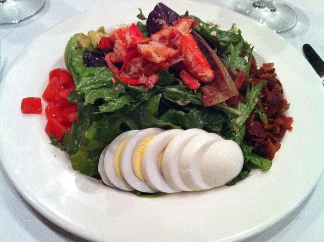 Lobster Cobb Salad | ©MemphisCVB/Flickr