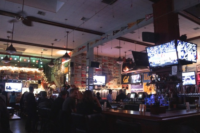 Old Pro's bar is the spot for sports fans. | © Kristen Stipanov
