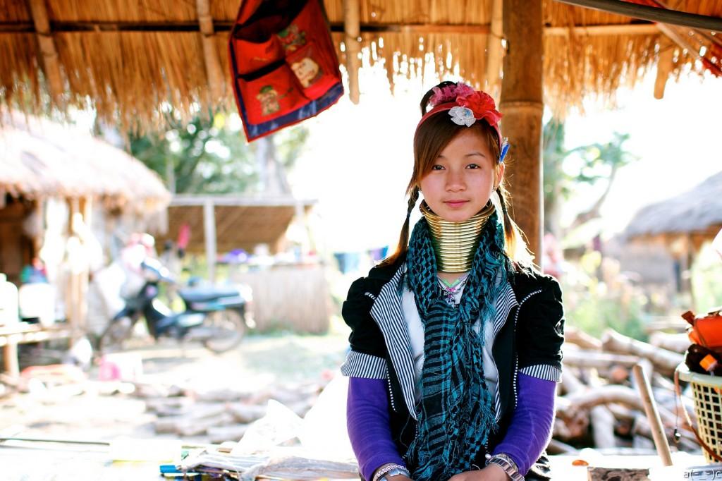 Long Neck Karen tribal girl|©anson chu/Flickr