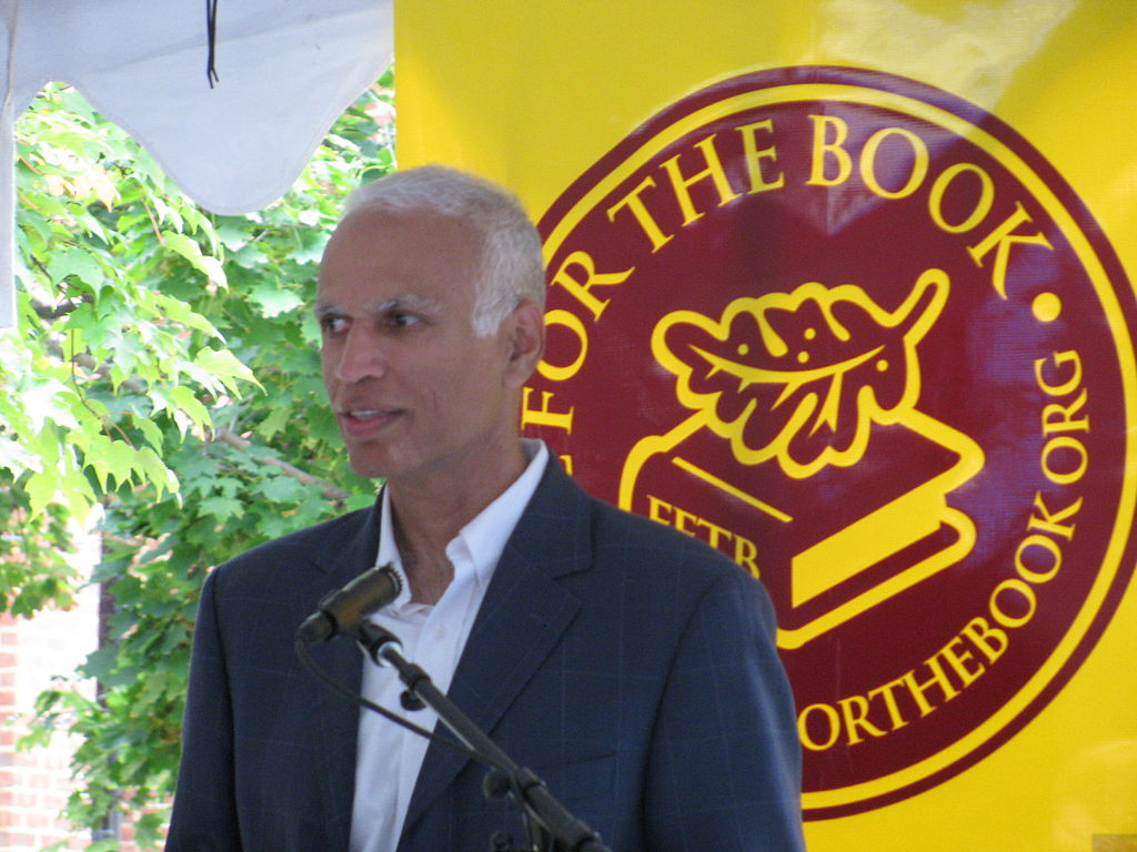 Manil Suri at the 2013 Fall for the Book festival | © Slowking/WikiCommons
